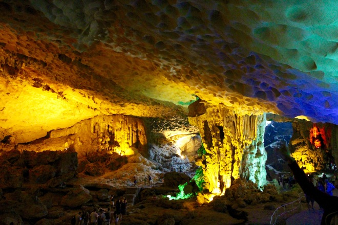 Hang Sung Sot Main Cave