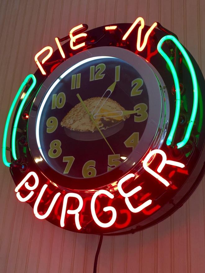 Pie n Burger Sign